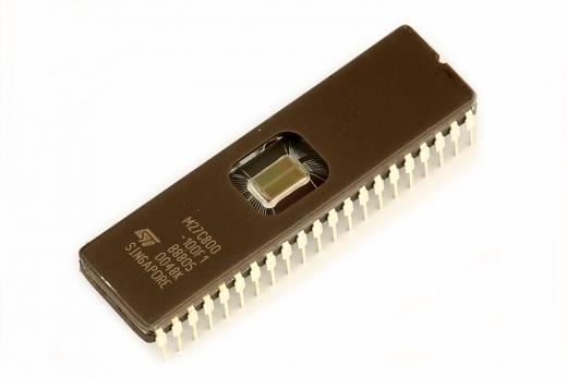 UV-EPROM M27C800 Baustein