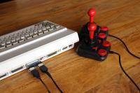 Get ready - Kompakter 4 Spieler-Adapter für Amiga